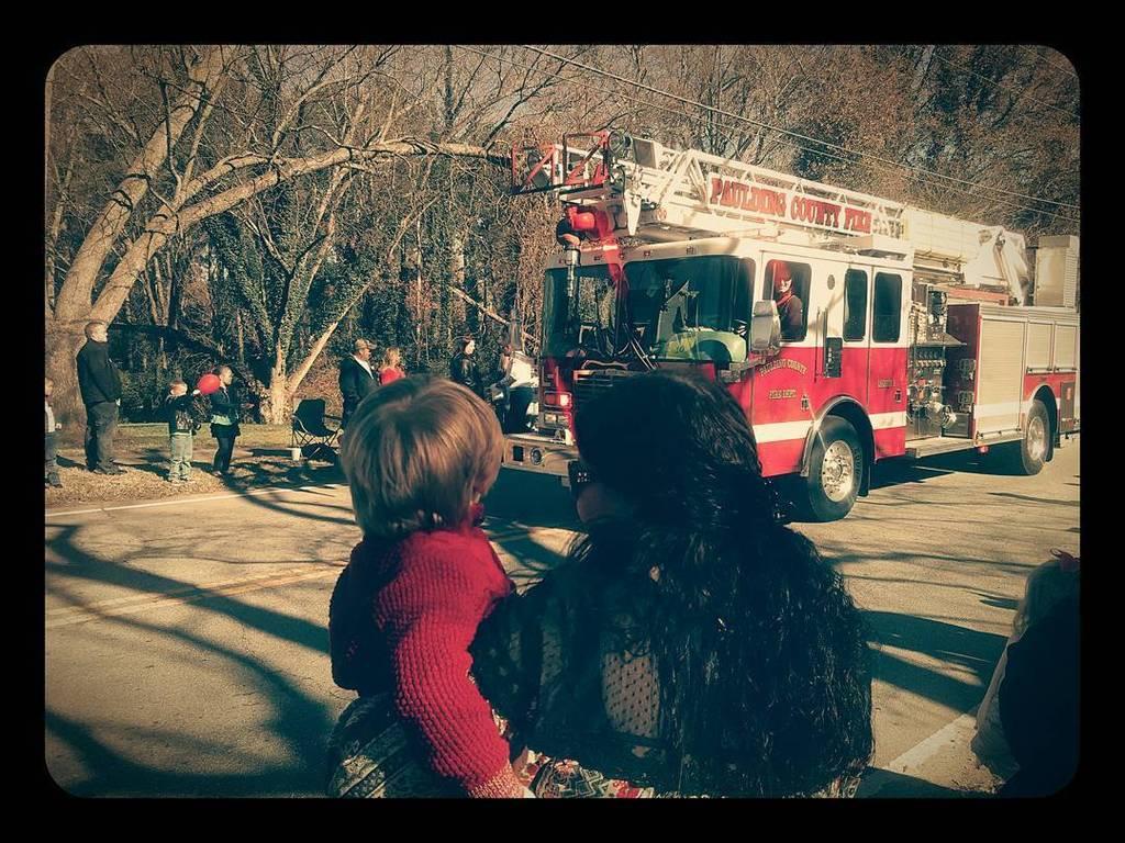 Found this cool photo, not mine #dallasparade #christmasparade #pauldingcounty #firetruck #sweetlilnephew #dallasga…