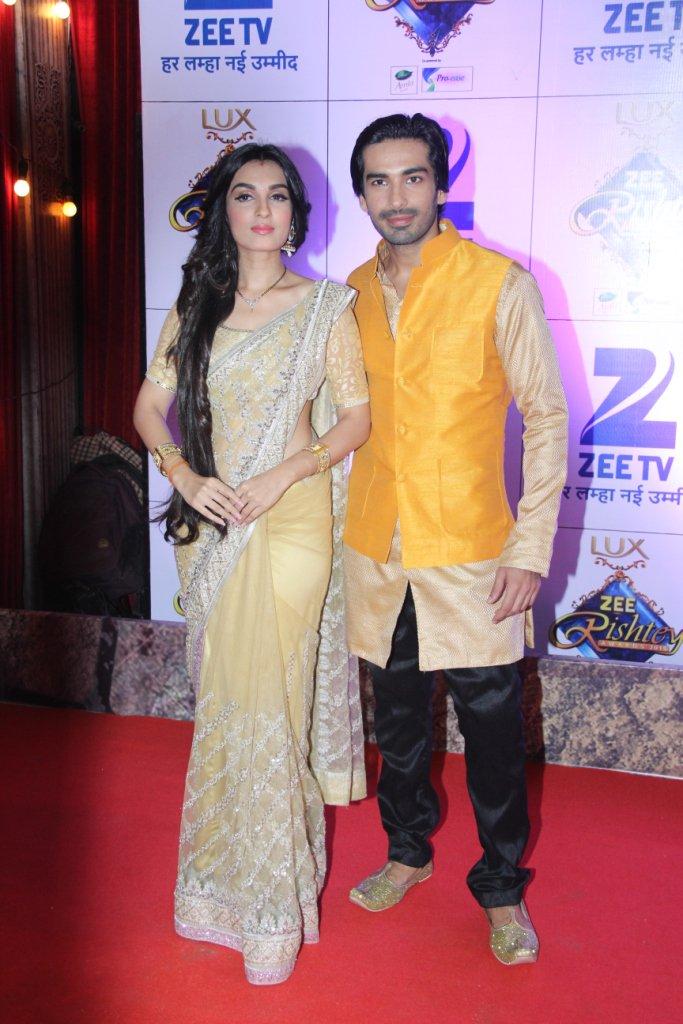 Mohit Sehgal and Shiny Doshi at Zee Rishtey Awards 2015 ZRA 2015 - Somendra-Sarojini