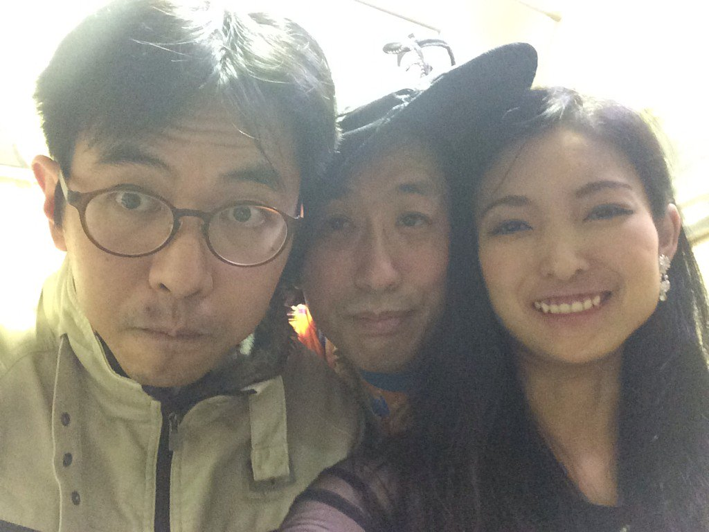 2015/12/05 ユニット「三木聖香 と ひんでん」、新宿Golden eggにてPAINT YOUR TEETHに出演。春井環二さん(お客さん)を交えて。