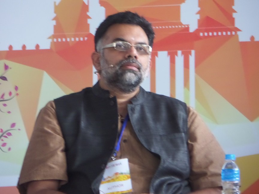 We need to decolonise what was written about Hinduism during British rule  - Vamsee Juluri #BlrLitFest https://t.co/SpQKTbxGiW