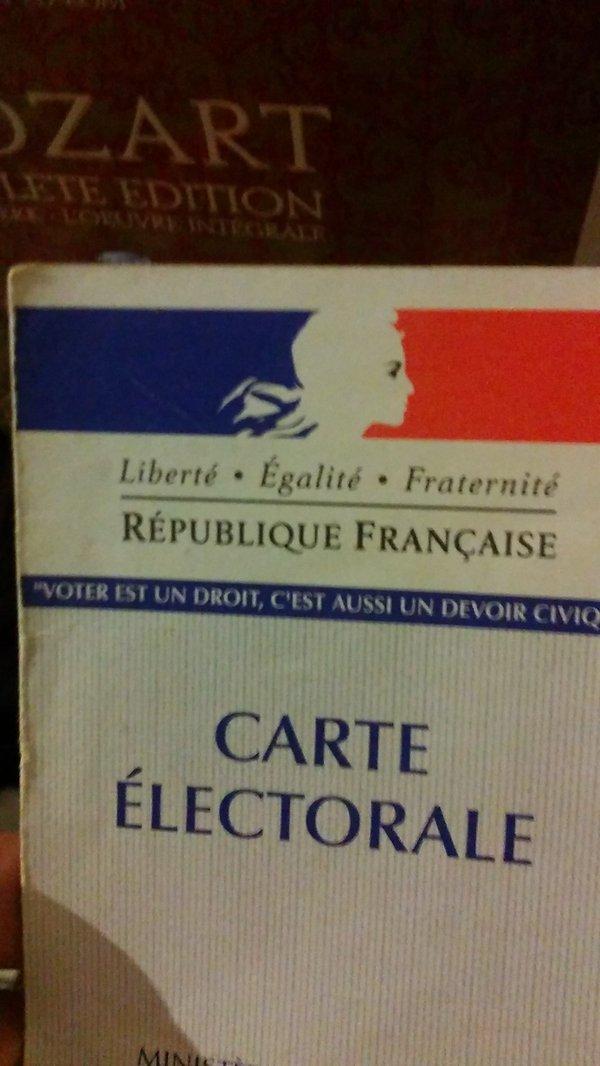#electionsregionales2015   Go go go to the #BureaudeVote  :) <br>http://pic.twitter.com/vG2QjkbrU7