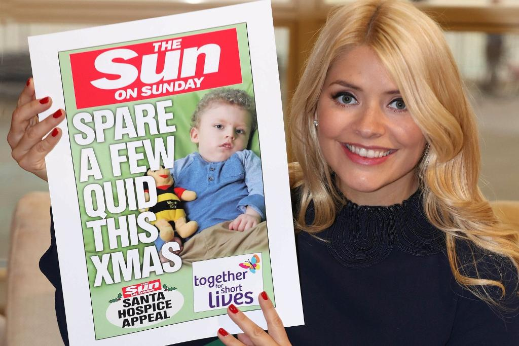 RT @TheSun: TV star @Hollywills adds her support to the Sun on Sunday Santa Hospice Appeal https://t.co/Ife0pCeM4g https://t.co/sbyOpRXVHJ