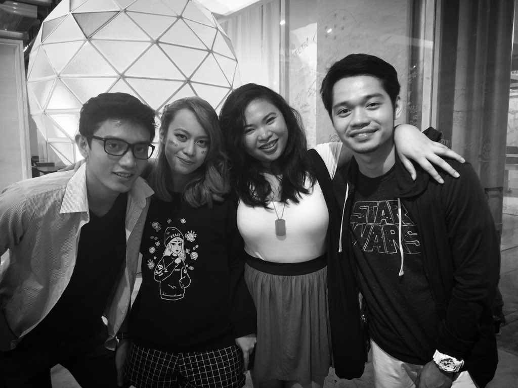 Congrats @reeseypeasy for a job well done! W/the Baby Bus Squad @iamJensenGomez @paolomallari_ #Reese1stAlbum https://t.co/91CvFYRBFb