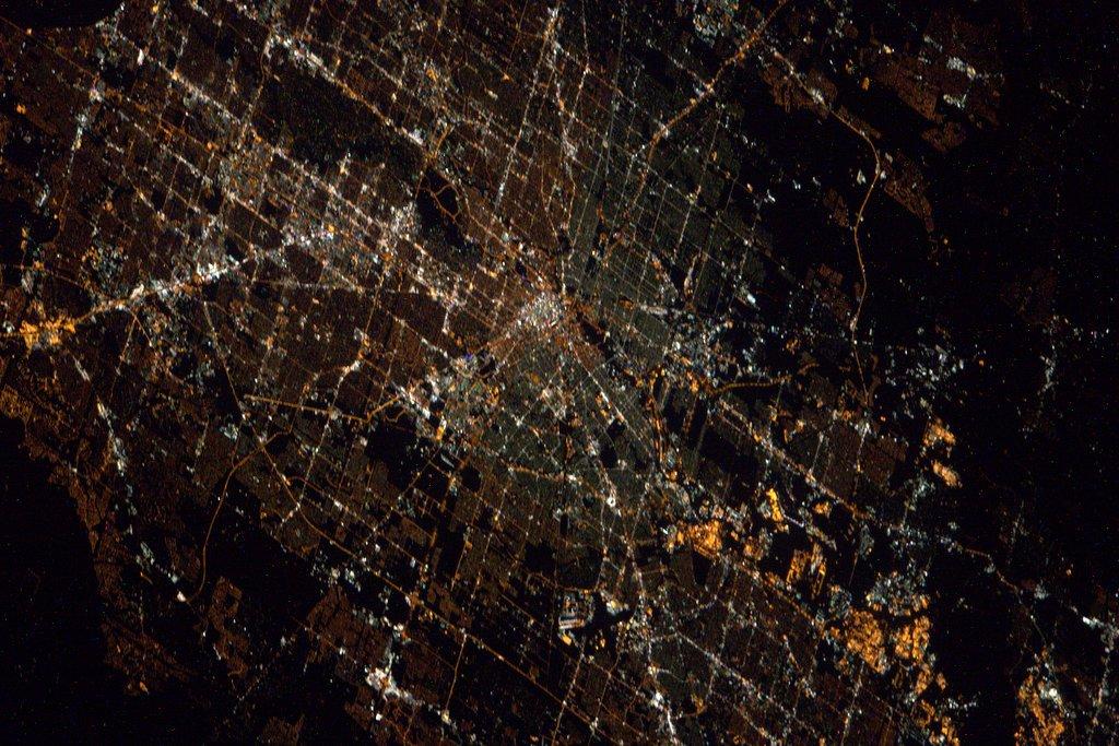 Houston Tx)) I will be there soon! ヒューストンです。お世話になった方々が沢山住んでいます。ヒューストンの皆さーん!もうすぐ、そちらへ帰りますからね~(笑)。 pic.twitter.com/XxFkxlepCV