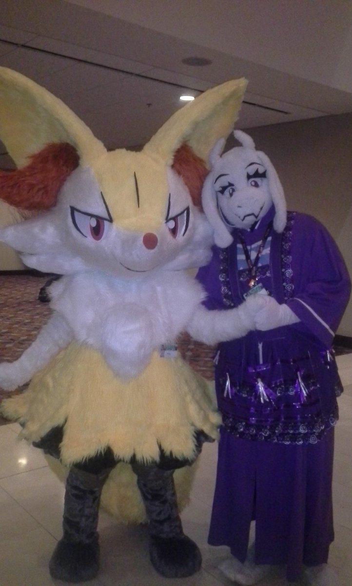 Braixen with Toriel!! The Braixen is my sister @CurePimmy !!! https://t.co/5wrSPdIZff