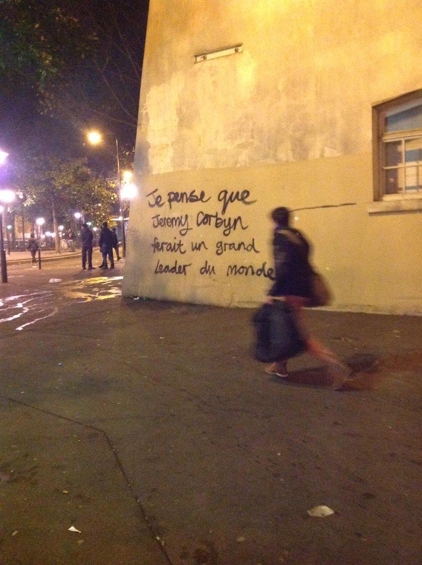Slightly surprising graffiti at Gare de l'Est https://t.co/kPW3aowKfZ
