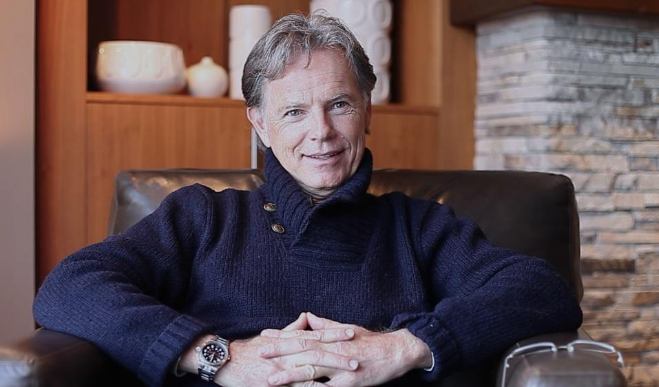The most funny person I met at @whisfilmfest award goes to... #BruceGreenwood https://t.co/T1zCUm6PQ5 https://t.co/tZuQ2kAMa3