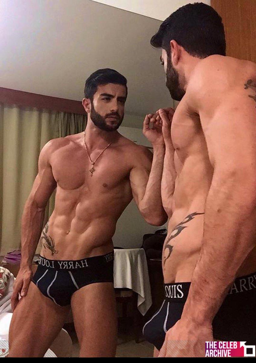 Gay porno Harry Louis veľký penis výstrek porno fotky