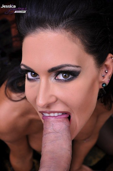 Seductive Jessica Jaymes Gives The Blowjob In Pov Until She Gets Vixen 1