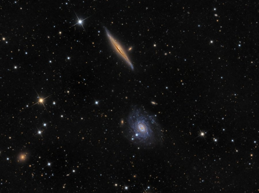 #Space: contrasting in color&orientation, #galaxies NGC5963&NGC5965 make a photogenic pair - https://t.co/B6Ym1WPmFY