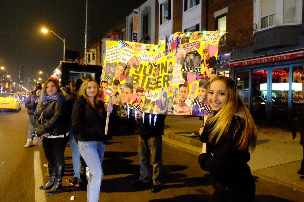 The best Justin Bieber sign we've seen tonight. #PurposeInTO https://t.co/BVjiEn9USM