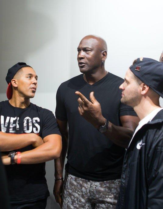 Is that @jonjayU with the GOAT, Michael Jordan? https://t.co/xw3jg9p0gD