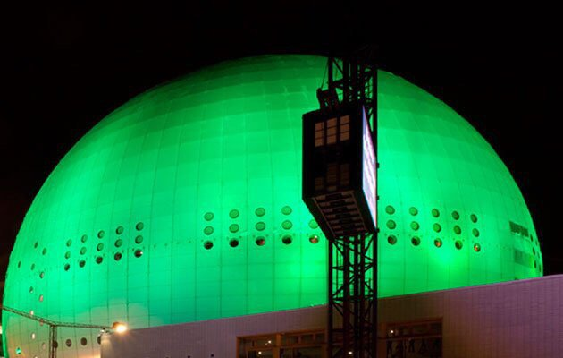 The Globe has turned green for #COP21. https://t.co/bBIO6TQ0PM