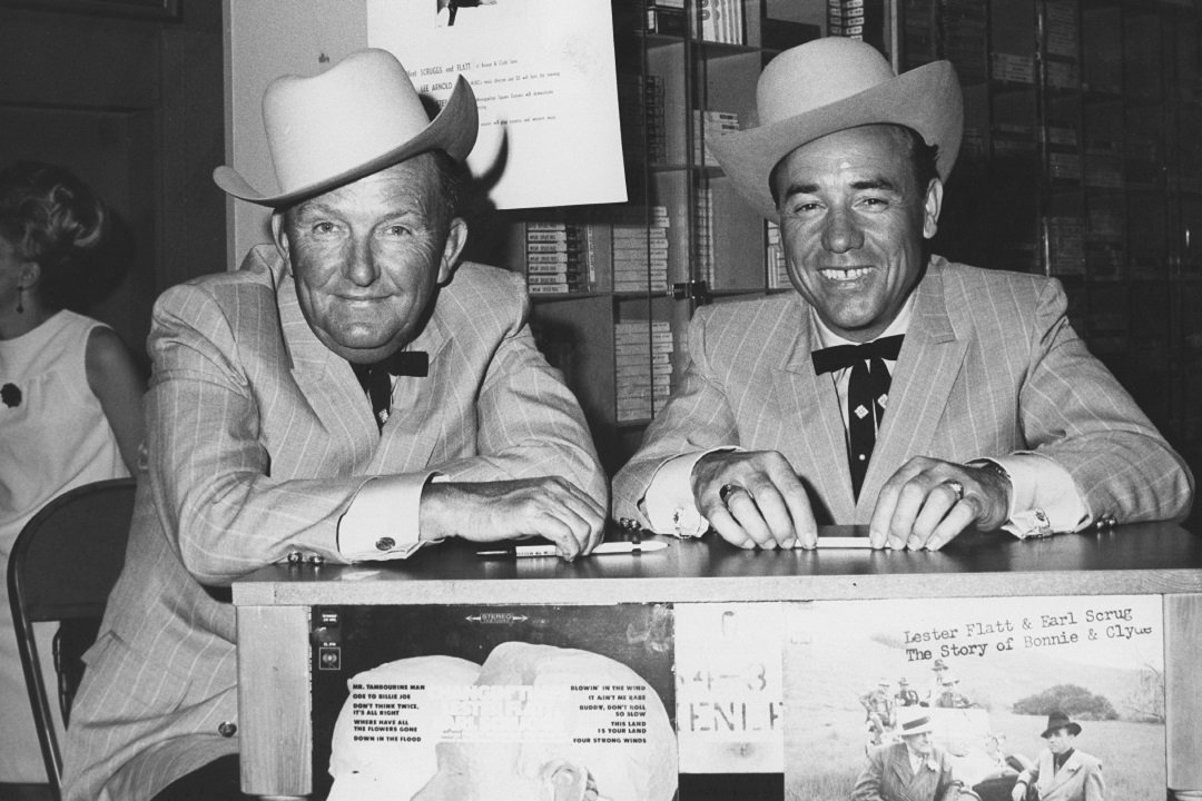 70 years ago, #LesterFlatt and #EarlScruggs played the @Opry together for the first time:  http:// theboot.com/flatt-and-scru ggs-grand-ole-opry-debut/  … <br>http://pic.twitter.com/au7ugz70YS