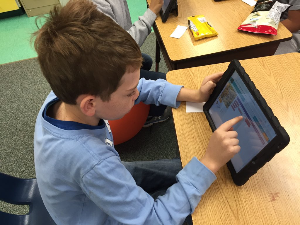 Y.E.S. Club members participate in the Hour of Code <a target='_blank' href='https://t.co/XpSoXHOVpW'>https://t.co/XpSoXHOVpW</a>