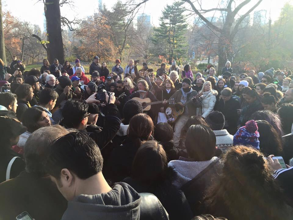 Taken by John Anderson moments ago at Strawberry Fields in NYC.  Lots of love for #JohnLennon in that crowd. https://t.co/UDtAb6JR5Q