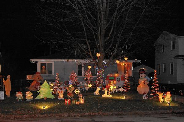 napervillesun on twitter map holiday lights displays dazzle in naperville httpstcowjuks9yej4 httpstco4ibmz6moaa