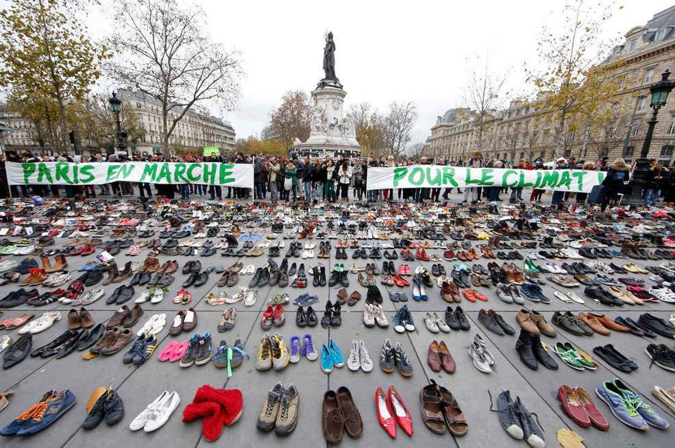 Zapatos contra el Cambio Climático https://t.co/Tb3d9iDdbO Imagen que incoporo en #protestas https://t.co/ZwyNw4vpfM https://t.co/dLKxI0oJzO