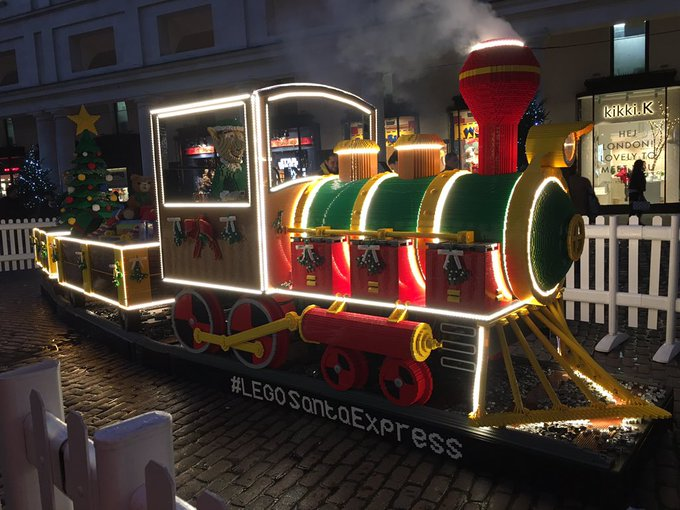 Who wants this Lego train for #christmas ? #HolidaysAreComing https://t.co/K9tGjd6IUH