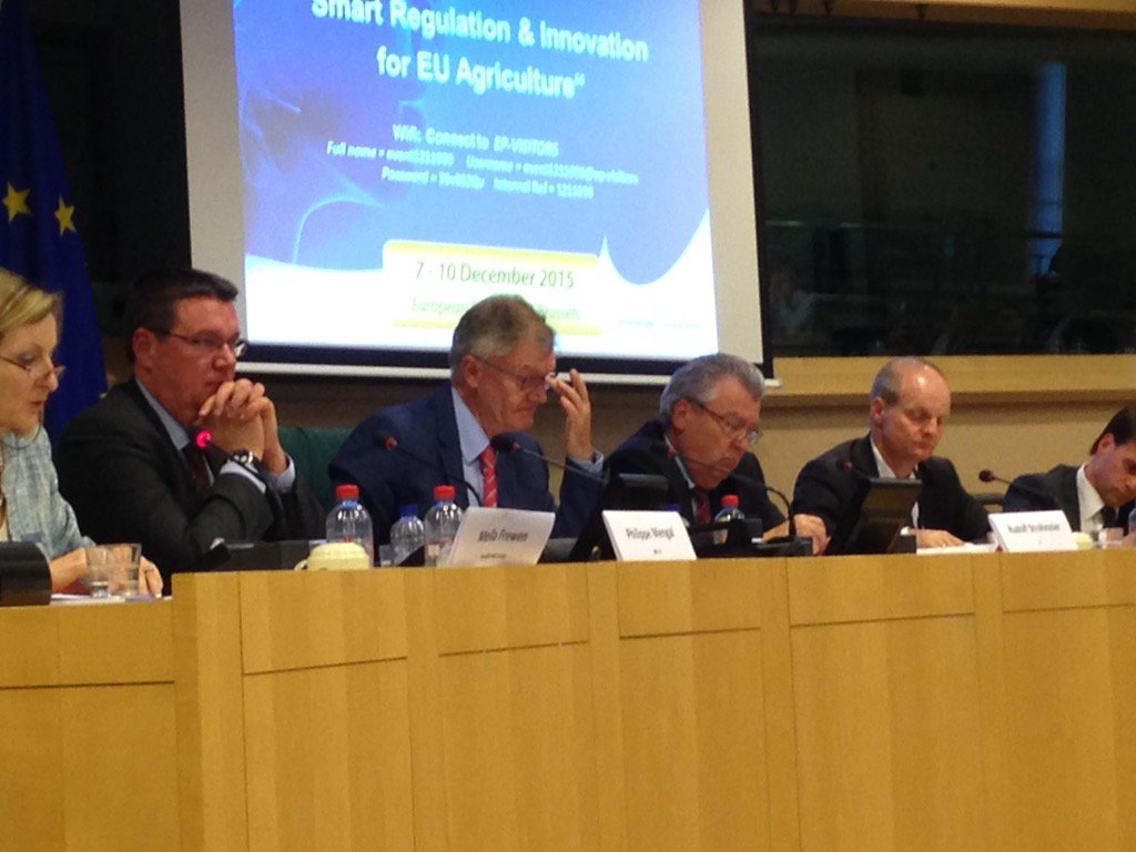 @Bocquetjcharles now chairing #Ag_Innovate sess during #7EIS after #proinnovation @anthea_mcintyre @cropprotection https://t.co/XmGlMaxLZU