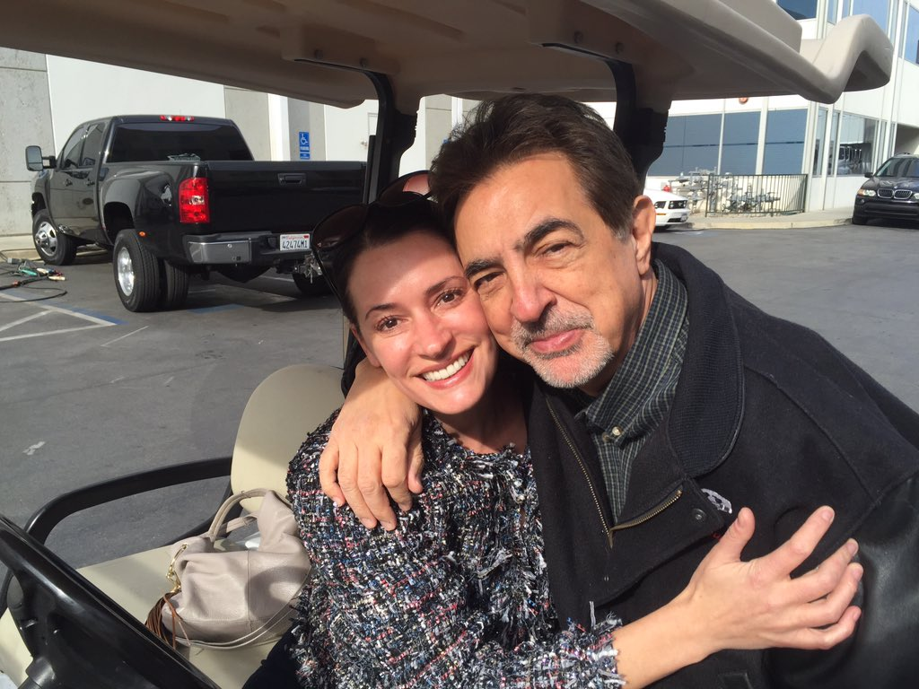 I was on the CBS lot today and look who I ran into. @pagetpaget https://t.co/oBZYF8UhpJ