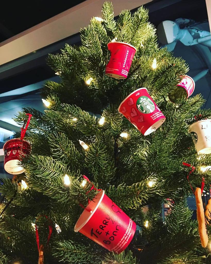 mohammed hussain on twitter the starbucks christmas tree decorations as cups with names thisislondon httpstcoozrjyhxnc7 httpstcovfmnl9lae8 - Christmas Tree Decorations Names