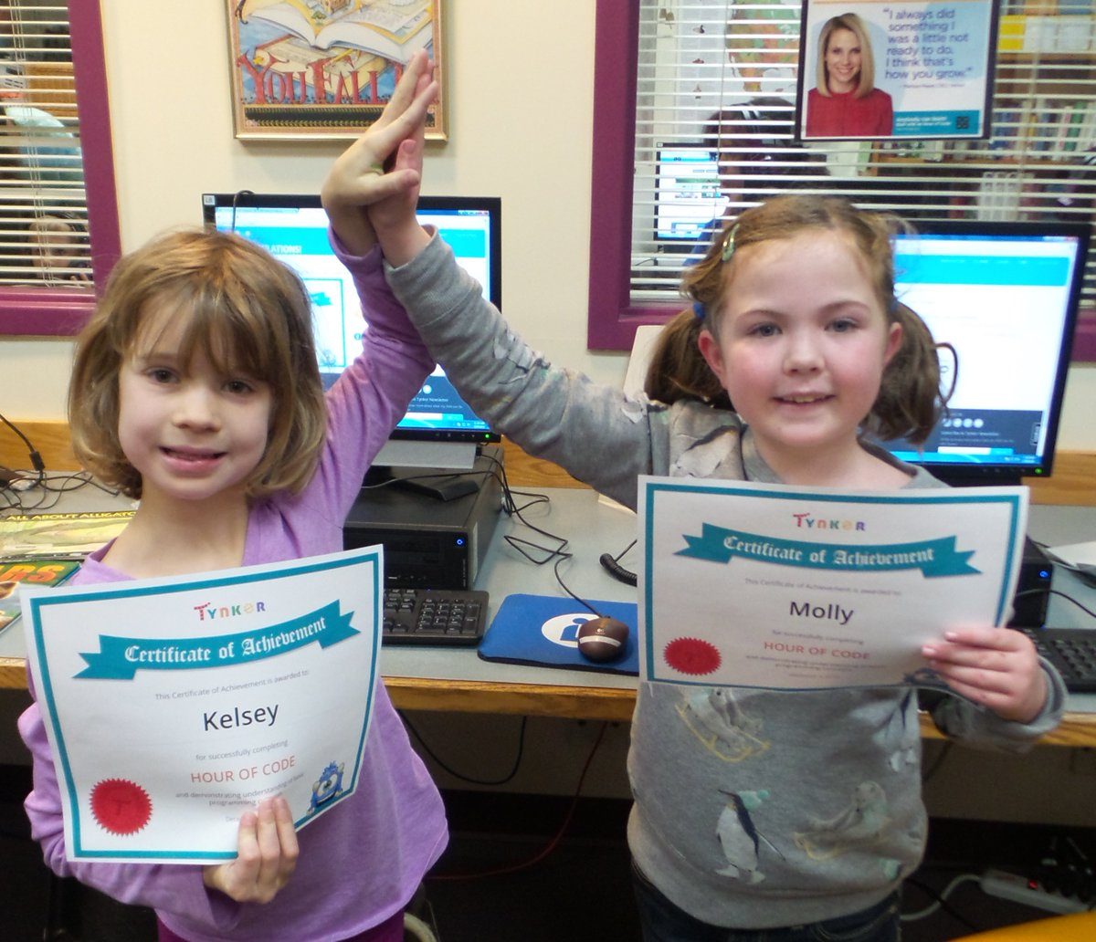 "2nd graders at @OrchardVT give high 5 for completing @gotynker ""Puppy Adventure"" for their #HourOfCode. #VTed https://t.co/B4jJ6vQXyk"