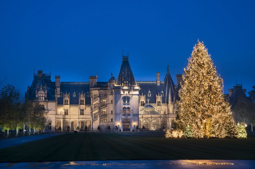 #Asheville and @BiltmoreEstate made this list. The 16 Best Christmas Towns in America https://t.co/5tC5CGnqHC https://t.co/CmxvljdwjR