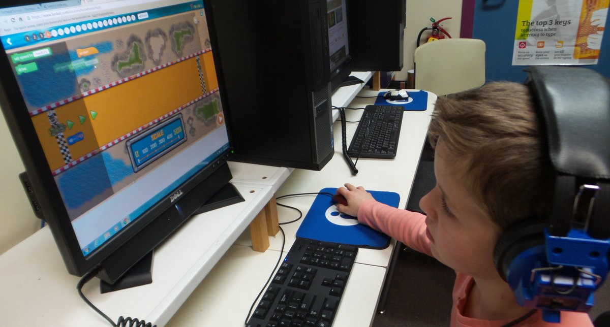 Hot Wheels #HourOfCode activities by @gotynker were a hit w some @OrchardVT 2nd graders! #VTed https://t.co/mFEtRUU7W5