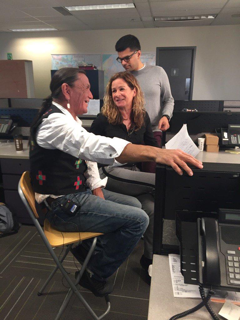 Having a blast with #DuaneHoward #ElkDog & @theprovince @dana_gee https://t.co/FugNYGRF8Z