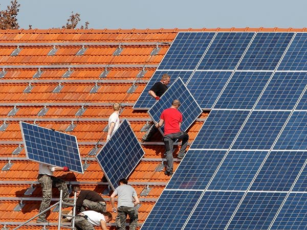 POW! #Germany: #Renewables reach 30%, #solar 6%: https://t.co/jYyDwPkVLW #divest #go100re #wind https://t.co/o6LmaKbBP3