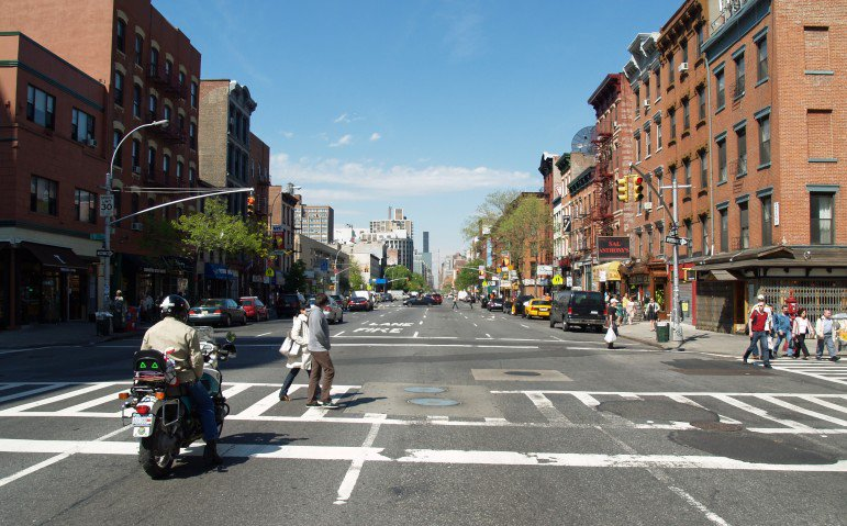To Stop Pedestrian Deaths #NYC Must Change How it Builds Streets https://t.co/7HfMv1lOUv https://t.co/dbJL9Bq59r