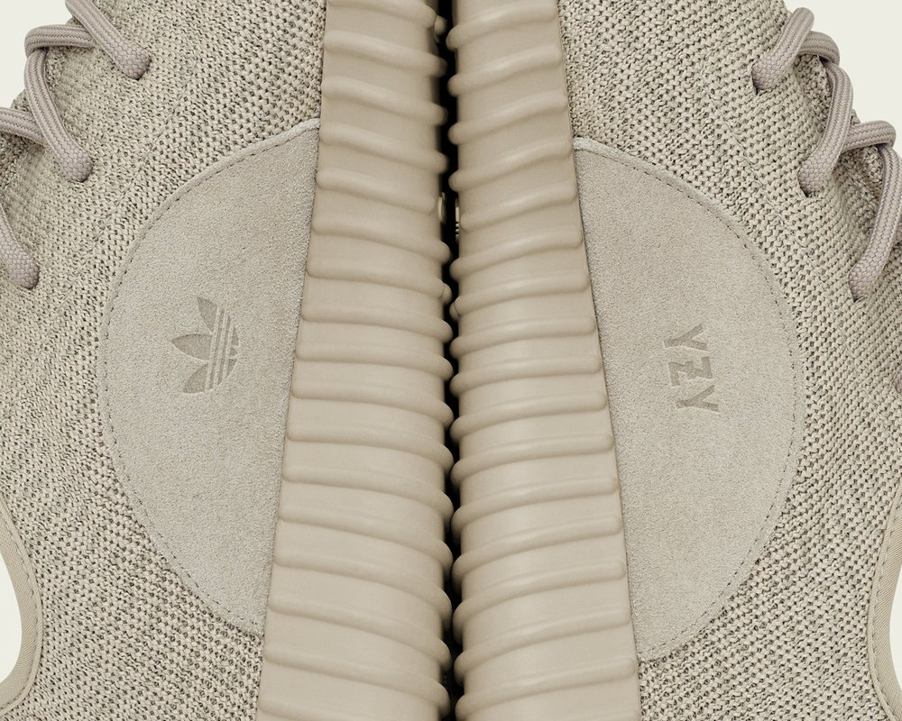 90b81bf5fa79 ... http   www.sneakershouts.com news 2015 12 21 official-list-of-retailers-carrying-the-adidas-yeezy-350-boost-oxford-tan  …pic.twitter.com 7KgglTMDQq