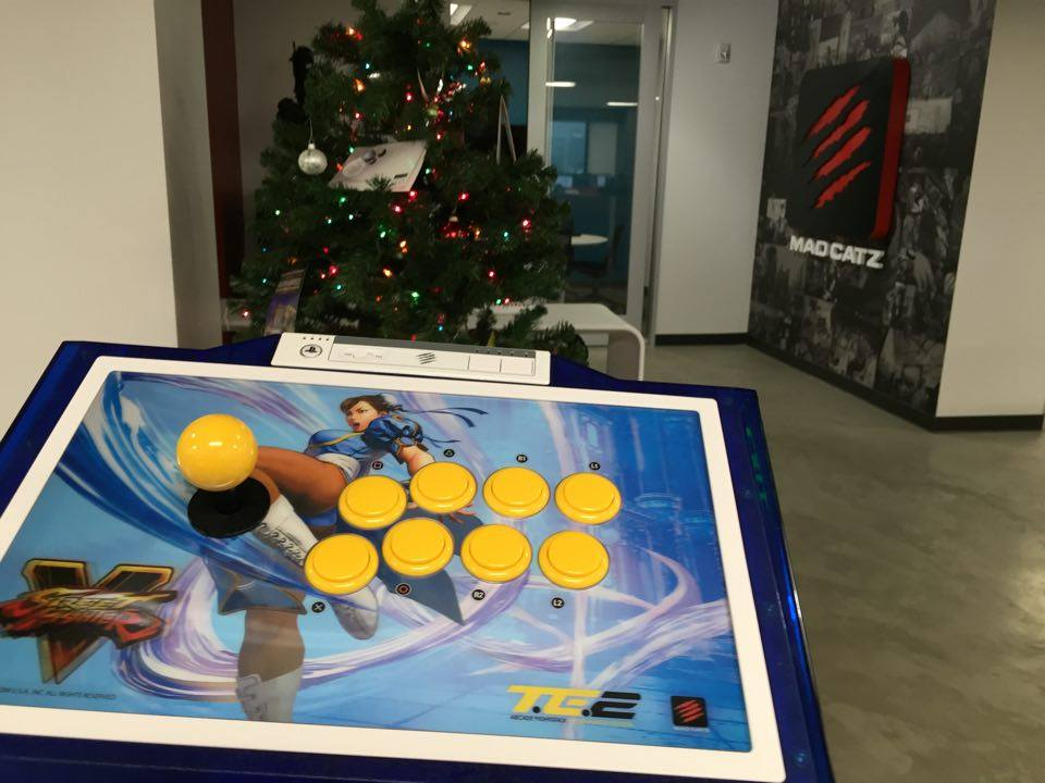Special giveaway for my followers & supporters! Win a @MadCatz SFV Chun-Li TE2! https://t.co/BeKSzbqdV7 #MarkManMCZ https://t.co/gC68ZCsXiM