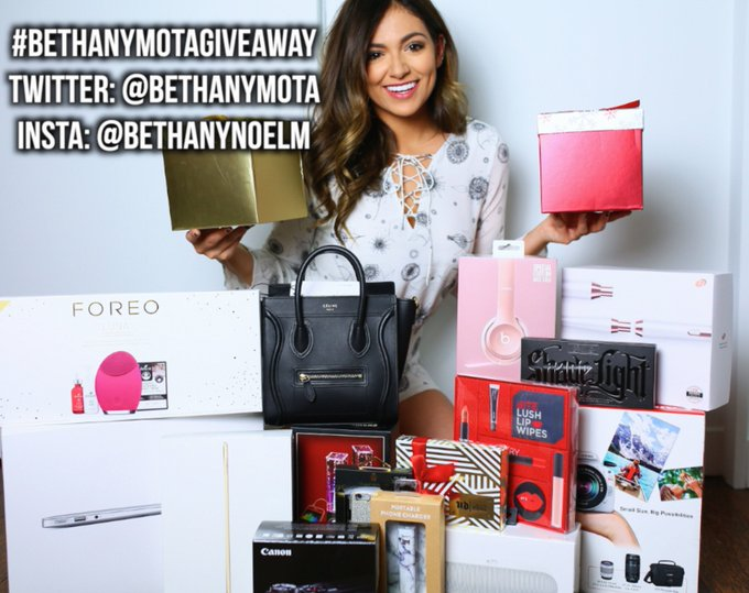 GIVEAWAY TIME! RT/REPOST THIS PIC WITH THE HASHTAG #BethanyMotaGiveaway & follow to enter!♥️ https://t
