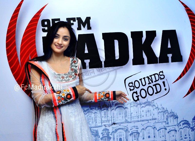 Madirakshi Mundle in Siya Ke Ram as Sita off screen picture/image