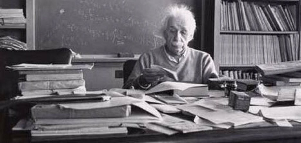 """If a cluttered desk is a sign of a cluttered mind, of what, then, is an empty desk a sign?""  Albert Einstein. https://t.co/3xEnP90Eer"