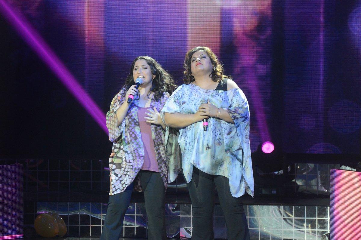 El dúo #CarperaElegidos interpretó un tema de @sole_pastorutti en la #GranFinalElegidos → https://t.co/hppBujoRI2 https://t.co/nwRLVN5EPj