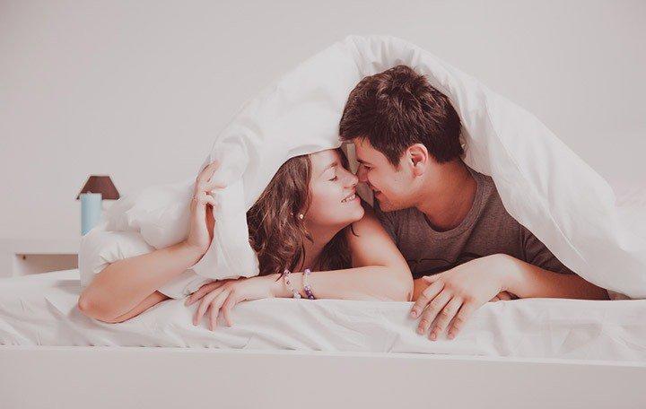 фото в постели с любимой