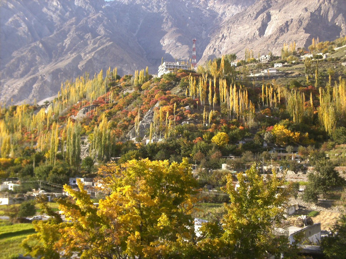#Autumn of #Hunza #pakistan join us for tours http://www.facebook.com/hunzo.coom.pk