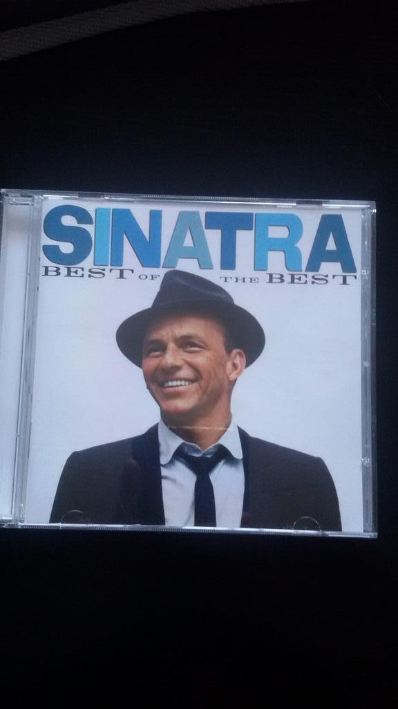 Hoy Frank Sinatra cumpliría 100 años... que menos que escucharle en homenaje... #Sinatra100 #Sinatra https://t.co/2oafS3Gv7h