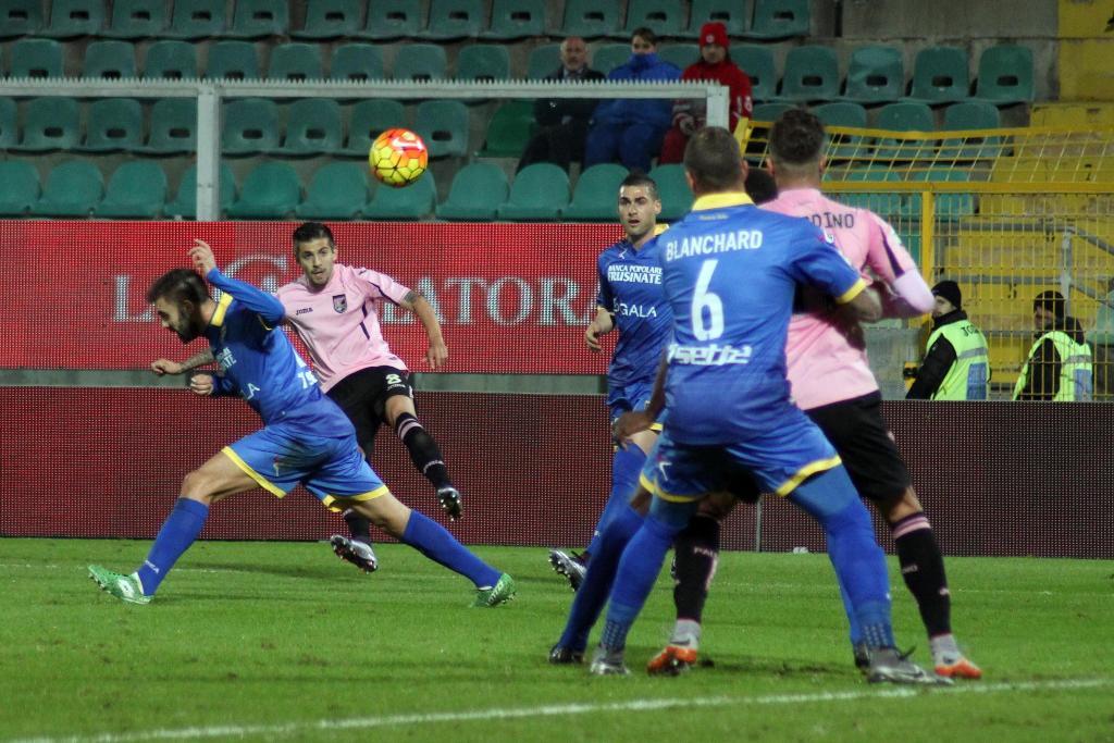 Trajkovski scored on this shot; photo: Ansa