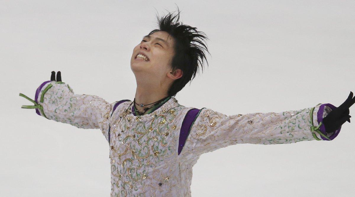 Yuzuru Hanyu breaks records (again), is first man to win three straight Grand Prix Finals. https://t.co/uIxFT01aKD https://t.co/RHLMj4nSGI