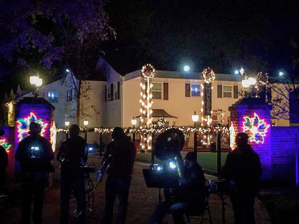 Christmas Tree Lane Fresno.Fresno State On Twitter University House Is All Decorated