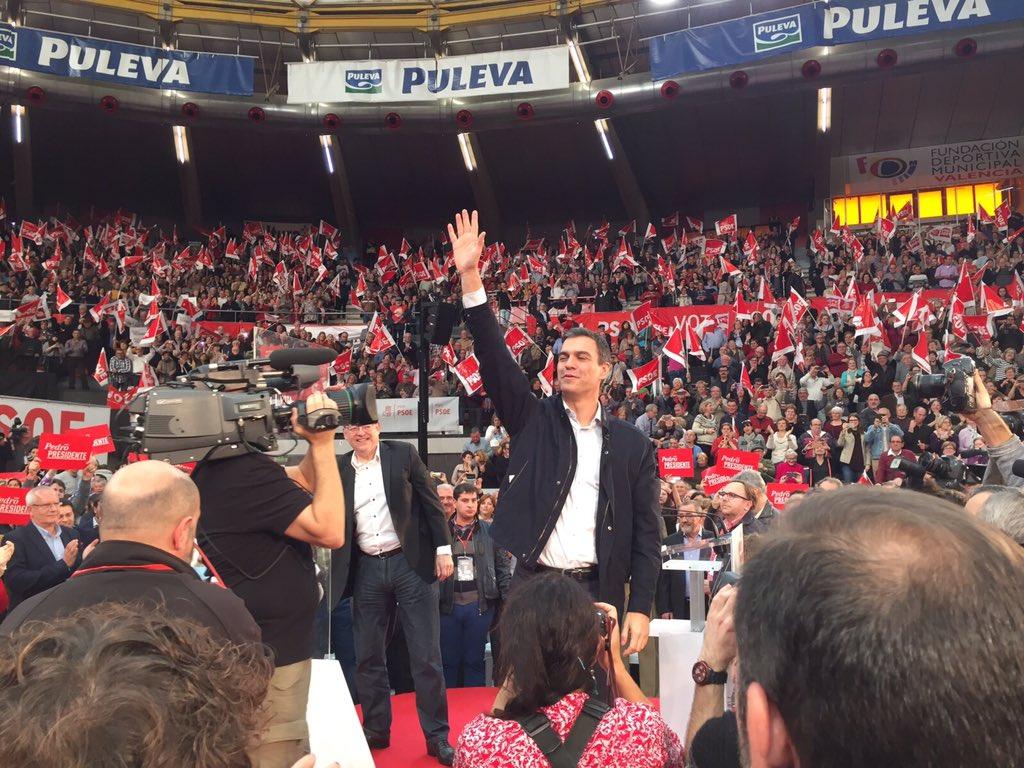 Aquí tenéis a Pedro @sanchezcastejon, a #PedroPresidente #PSOE hablando desde Valencia a toda España! No lo dudes! https://t.co/w1VTXOovEQ