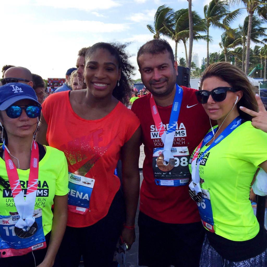 Great run with Greatest of All Time @serenawilliams and family members @larsapippen @nataliaroks #liveultimate https://t.co/kP2IgswITx