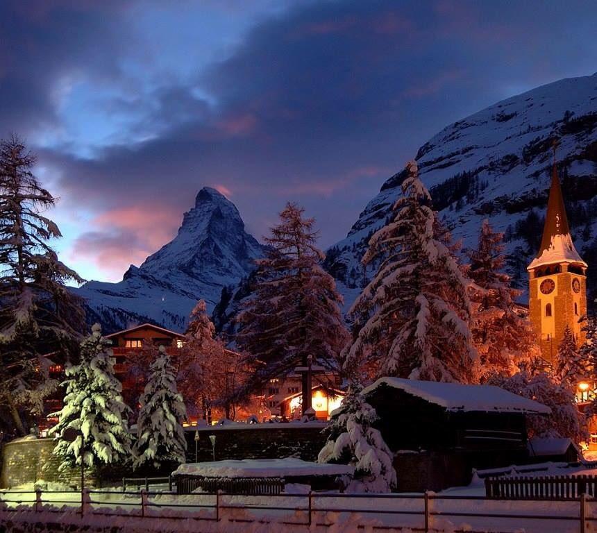 For my friends @MySwitzerland_e  -  Magical Zermatt! @sergey_silkin Zermatt, Switzerland https://t.co/wXq3W1GIpH
