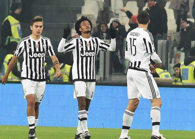 Cuadrado senga il gol del momentaneo pareggio in Juventus-Fiorentina 3-1