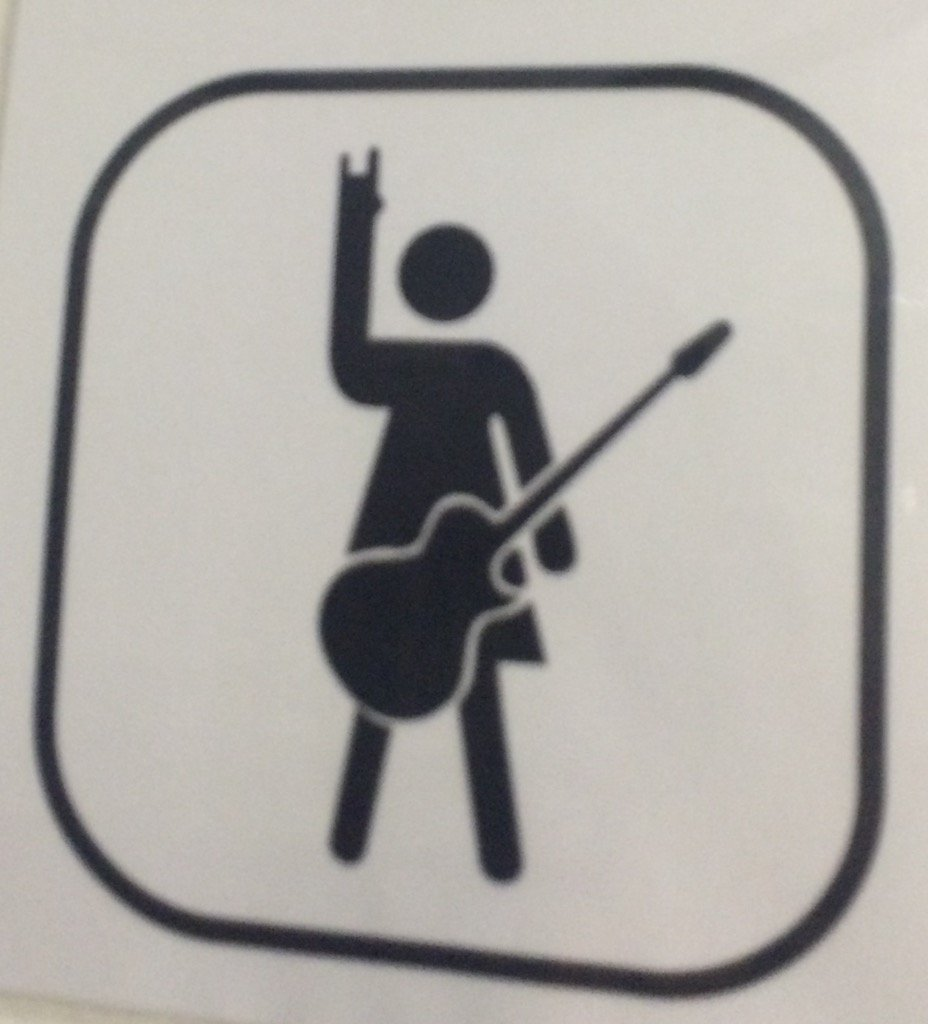 All signs to the Ladies' Room should look like this: https://t.co/KdW7PP3MY7