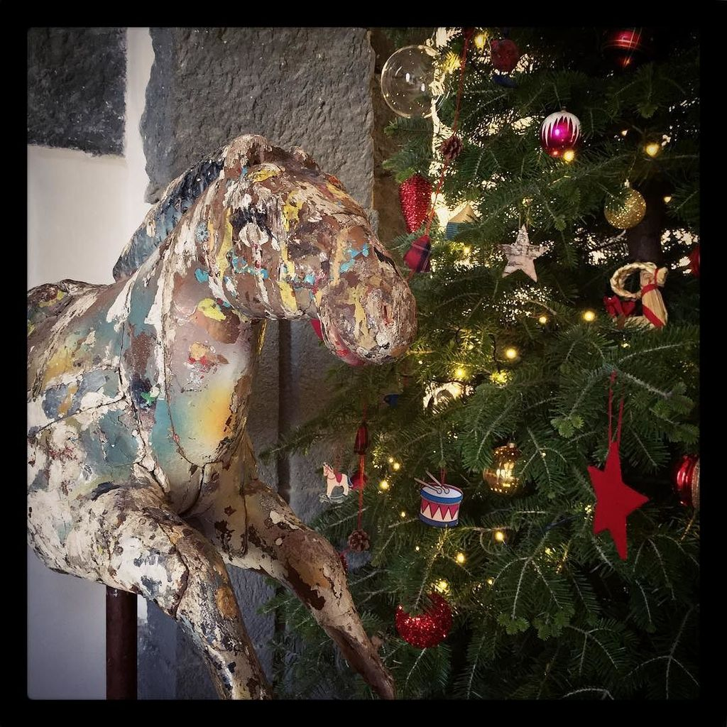 """Playful Christmas"" The #christmastree is ready, next to our #vintage #carouselhorse  #wan… https://t.co/knqBAAkOJs"